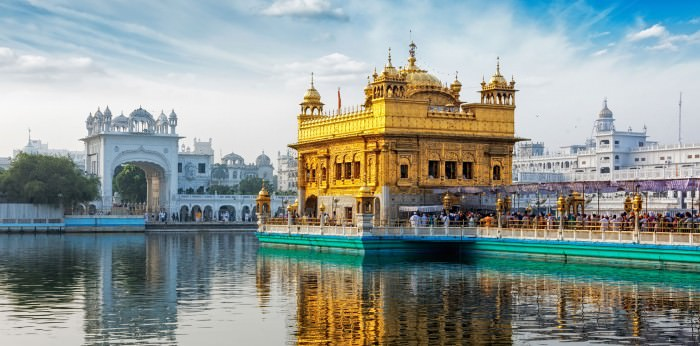 Northern India Buddhism and Sikhism school tour