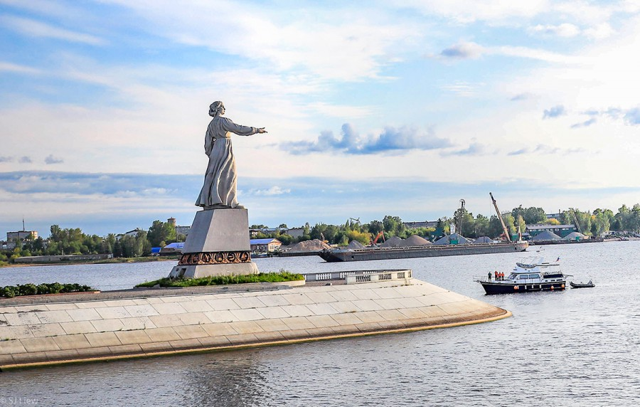 Moscow and St Petersburg boat trip